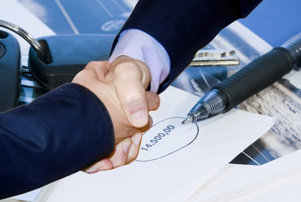 5 motivos por los que no conviene vincular el préstamo del banco a la contratación de un seguro