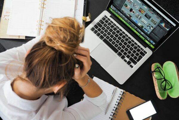 Los timos y estafas más frecuentes que puedes sufrir como conductor a través de Internet